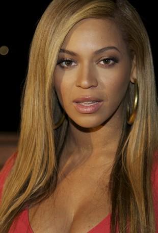Beyonce Knowles karmiła dziecko piersią w restauracji
