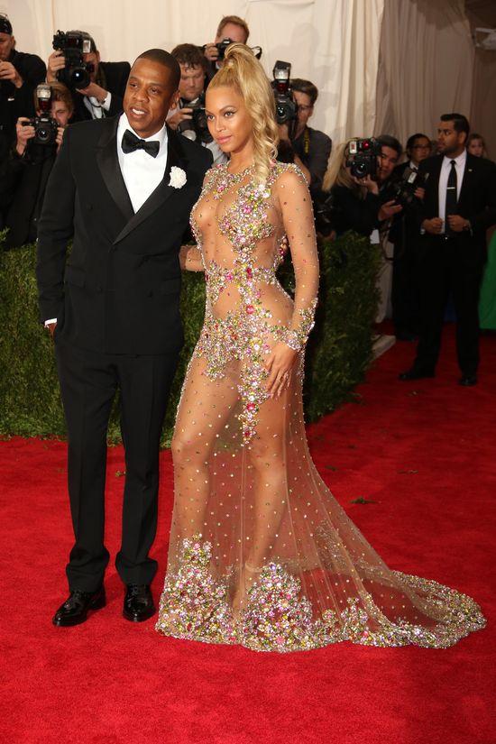 Rihanna uważa, że zdrada Jaya Z to ŚCIEMA?