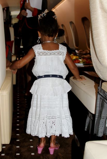 2,5-roczna Blue Ivy w biżuterii i na obcasach (FOTO)