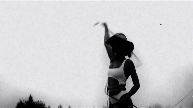 Kanye West w remixie Beyonce rapuje o seksie z Kim (VIDEO)