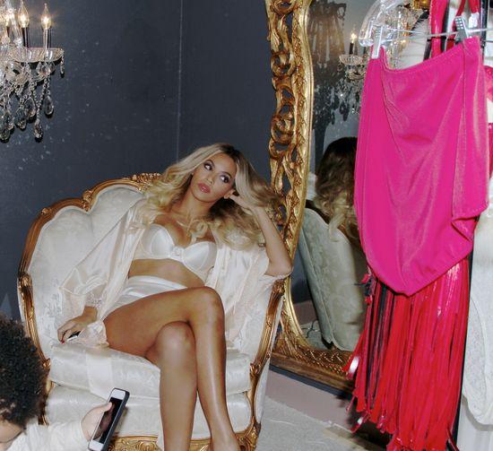 Beyonce niczym królowa (FOTO)
