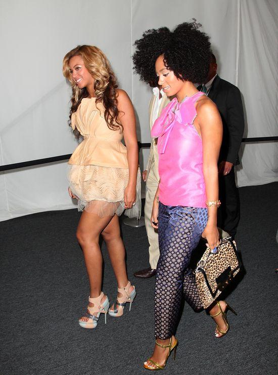 Dlaczego Beyonce nie zareagowa�a podczas b�jki?