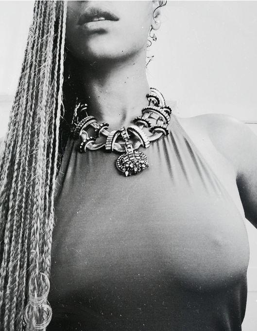 Co powiecie na Beyonce bez stanika? (FOTO)