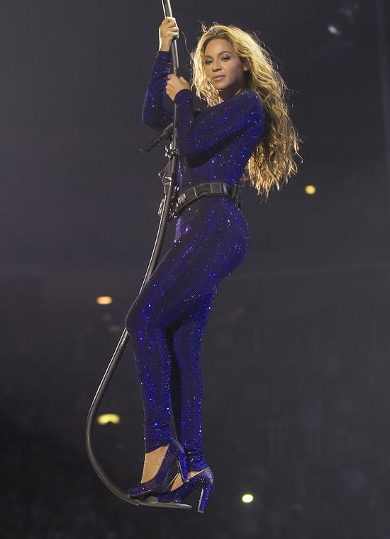 Beyonce w Serbii pokazała ogromne SUTKI (FOTO)