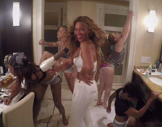 Mnóstwo pośladków w najnowszym teledysku Beyonce (VIDEO)