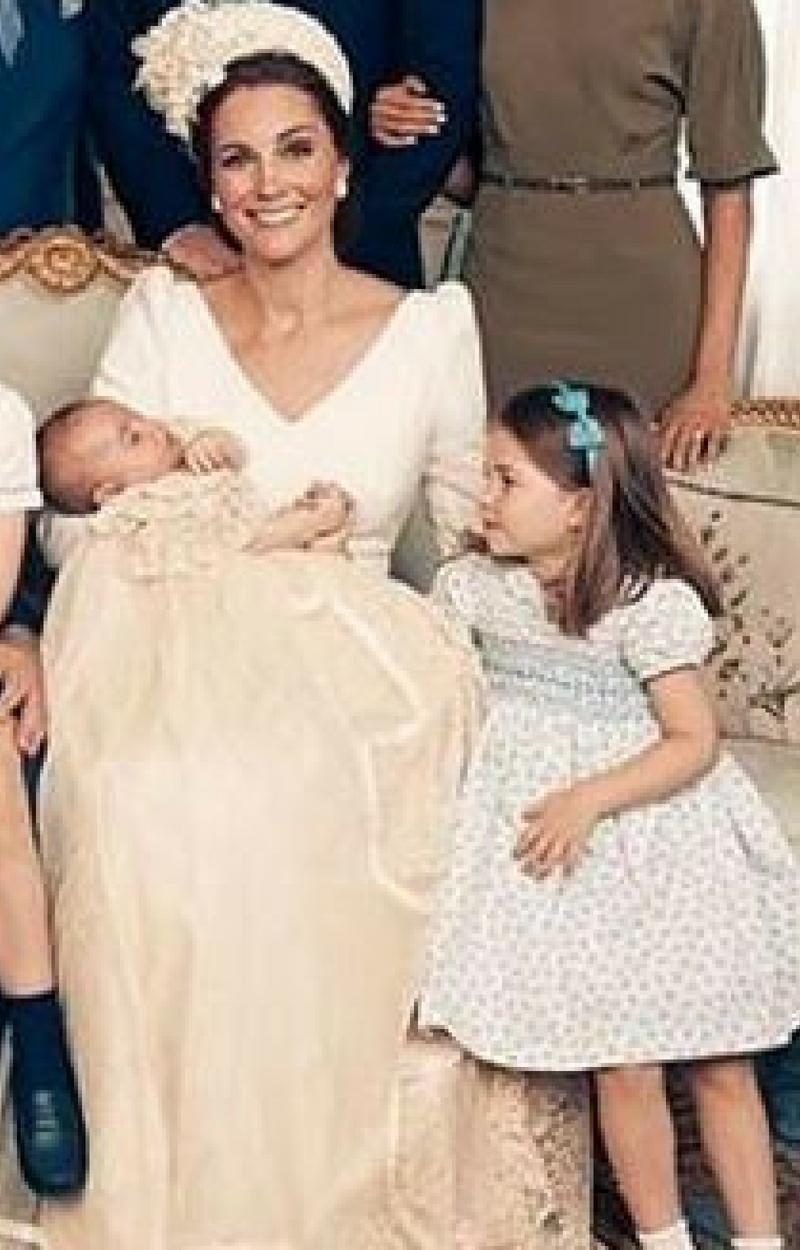 Uroczy GEST księżniczki Charlotte podczas chrztu księcia Luisa!
