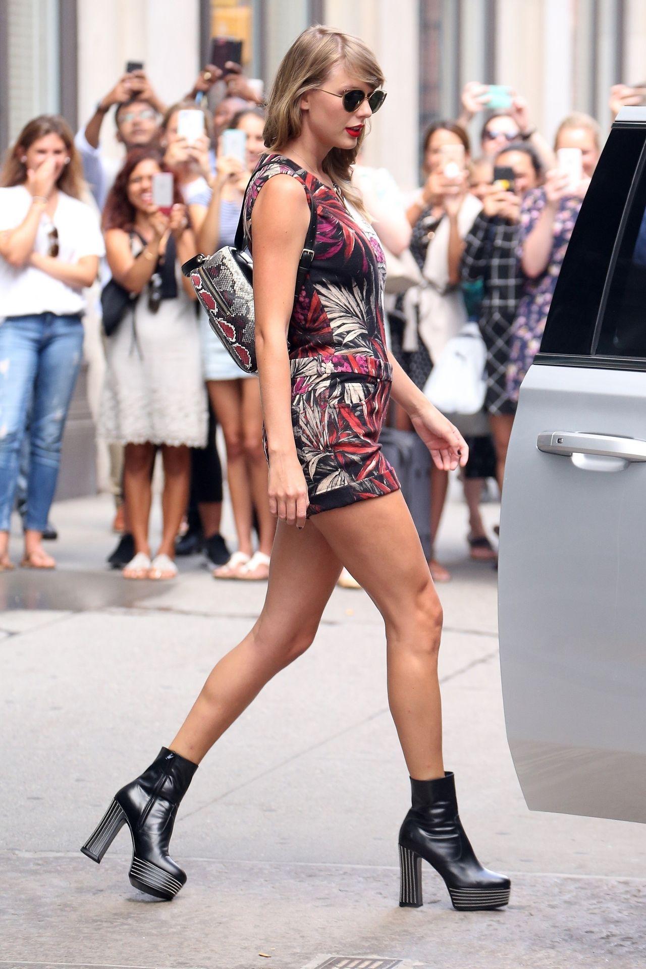 WOW! Taylor Swift w TYCH BUTACH wzbudziła poruszenie na swojej ulicy (ZDJĘCIA)