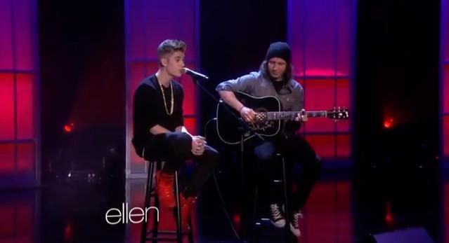 Justin Bieber nostalgicznie i akustycznie (VIDEO)