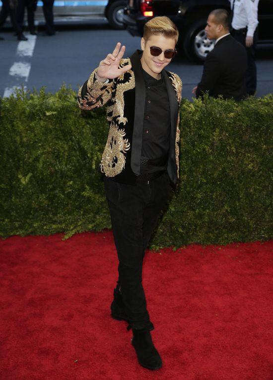 Niezręczne spotkanie Biebera i Gomez na gali MET