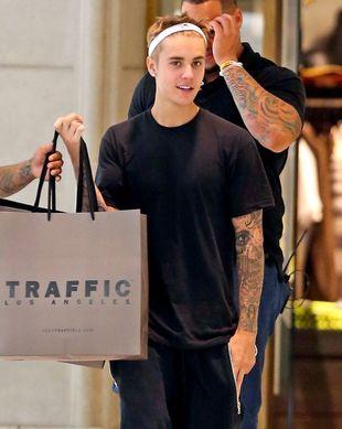 Justin Bieber zapomniał o tym słodkim psiaku!