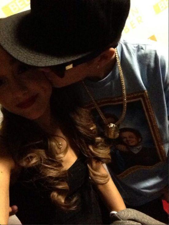 Kogo całują Justin Bieber i Selena Gomez? (FOTO)