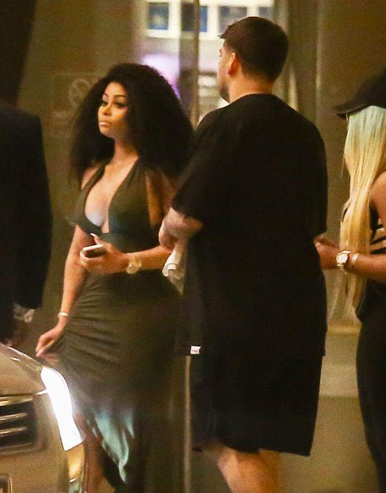 OMG! Blac Chyna pozwoliła wyjść tak Robowi z hotelu?