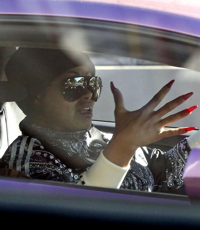 Jeśli temperament ma taki, jak manicure, to... (FOTO)