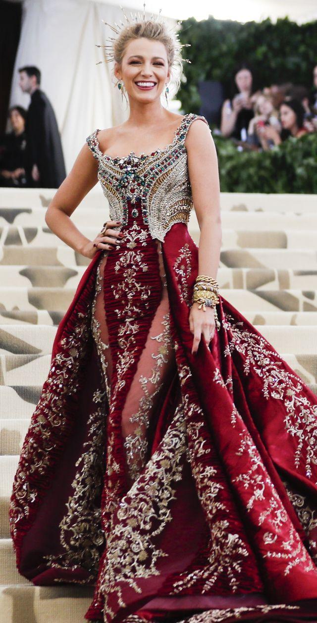 Blake Lively niczym księżna (Kate, Meghan - wybaczcie) na Met Gali (ZDJĘCIA)