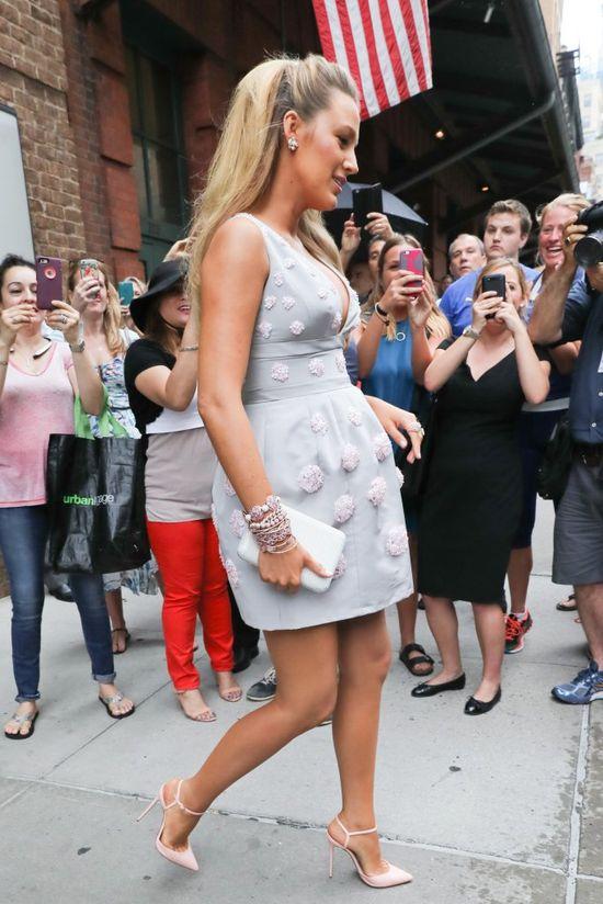 Księżniczka Blake Lively zachwyca kolejną stylizacją! (FOTO)
