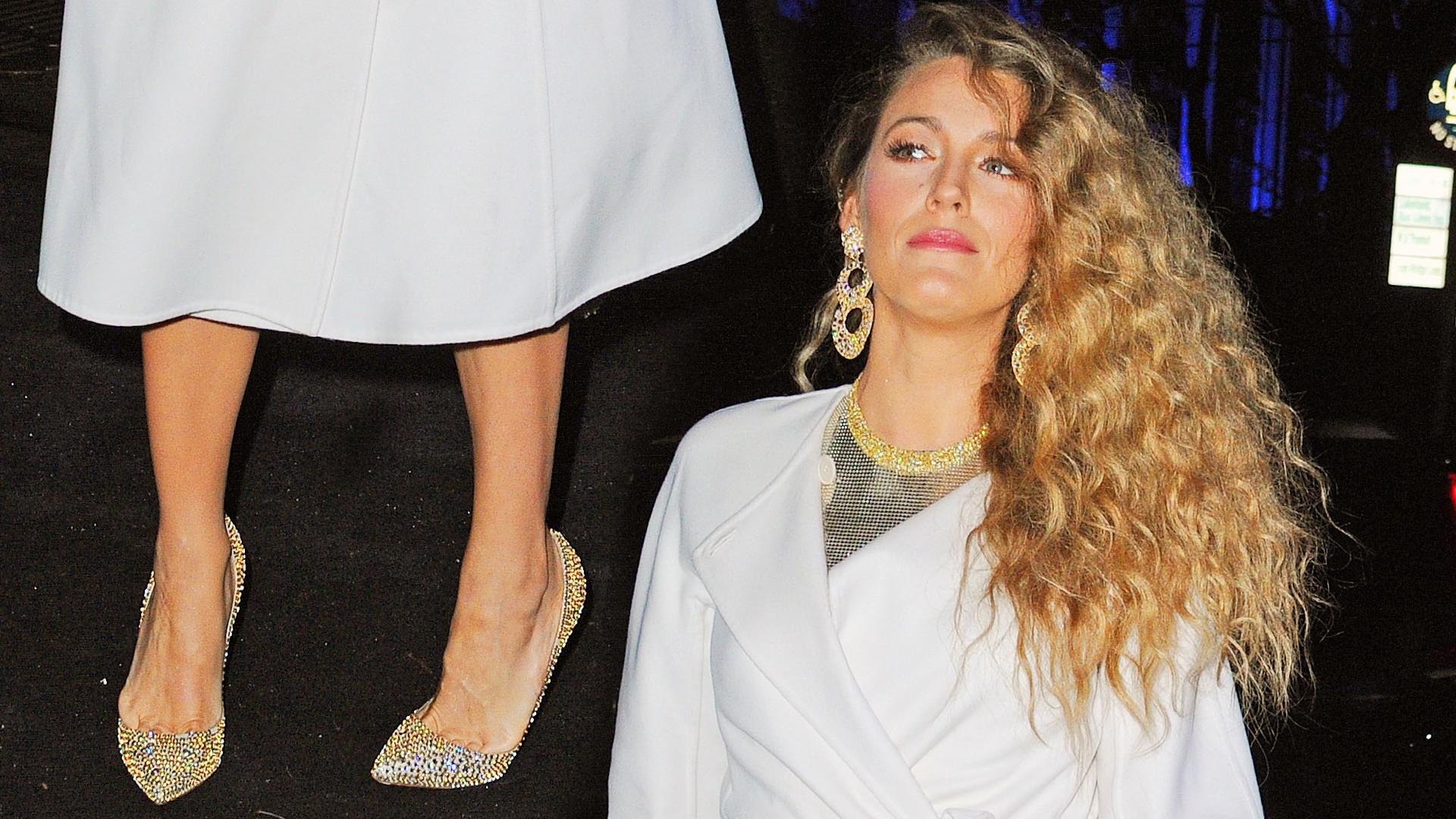A kiedy Blake Lively zdjęła ten płaszcz, był efekt WOW! (ZDJĘCIA)