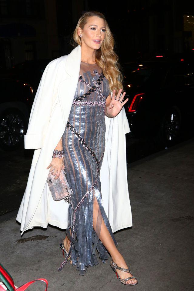 Blake Lively odważyła się na obcisłą sukienkę (ZDJĘCIA)