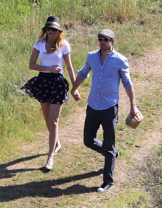 Posłuszny Ryan Reynolds: Nie wyjde z domu bez jej zgody