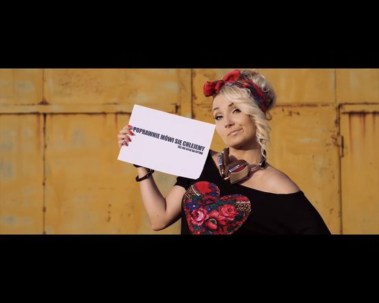 Nowy Donatan: wieś tańczy i śpiewa a słoma z butów wystaje