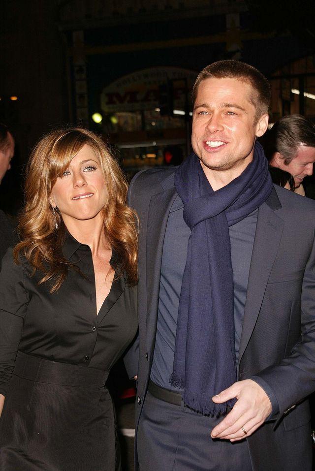 Aniston płakała Pittowi do słuchawki!