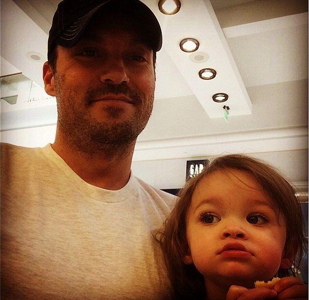 Mąż Megan Fox chwali się dziećmi (FOTO)