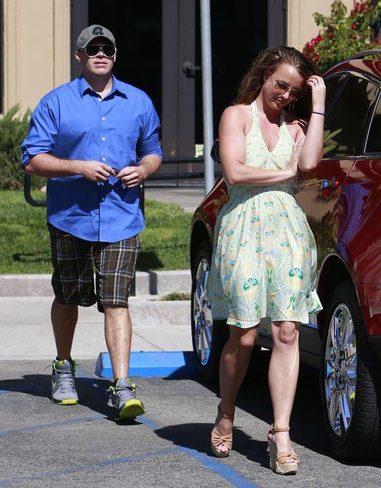 To dla niego Britney Spears założyła romantyczną sukienkę!