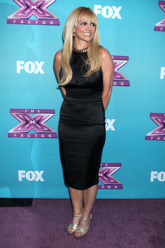 Britney Spears w peruce na finale X Factor (FOTO)