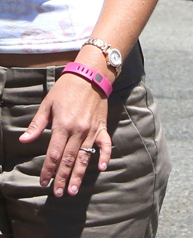 Brylant w towarzystwie ogryzionych paznokci (FOTO)