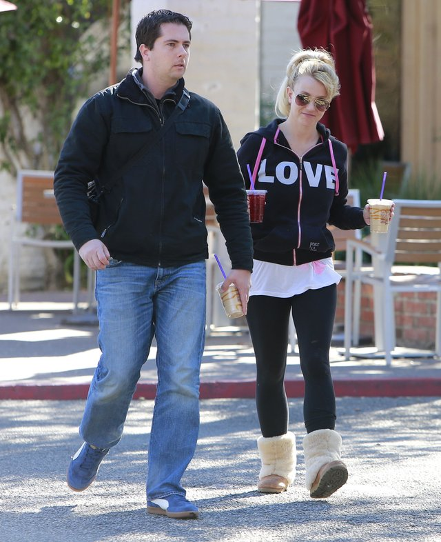 Britney Spears nie wygląda na złamaną rozstaniem (FOTO)