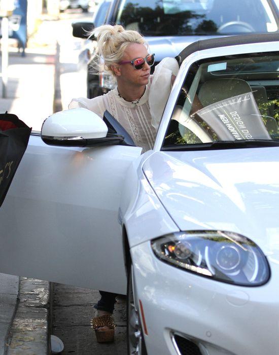 Niesamowite - Britney Spears w staniku! (FOTO)