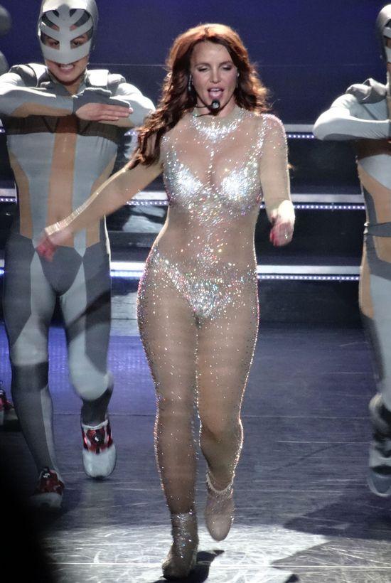 Jak Britney Spears oszukuje na swoich koncertach?