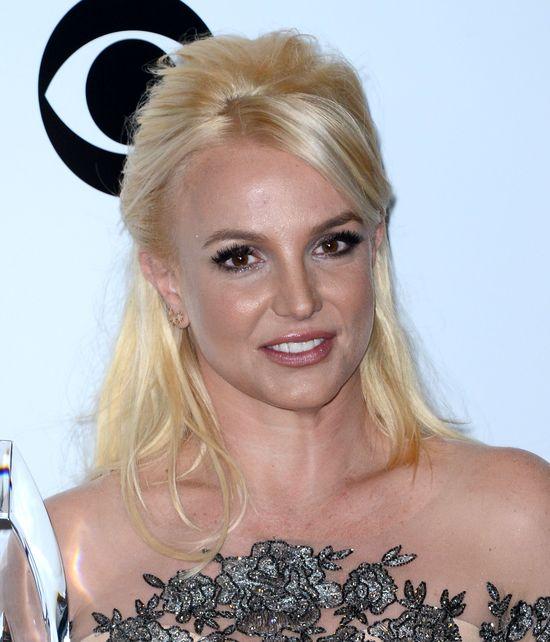 Britney Spears przefarbowała się na brąz (FOTO)