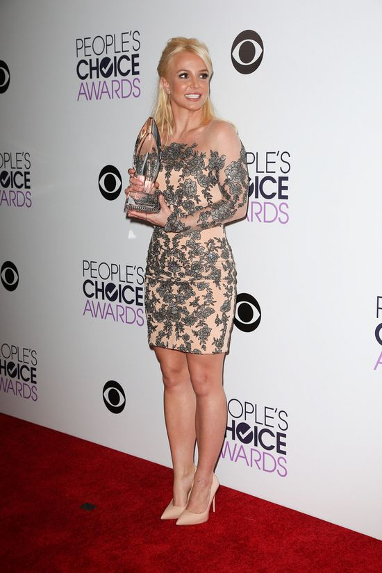 Oceniamy look Britney Spears z People's Choice Awards (FOTO)