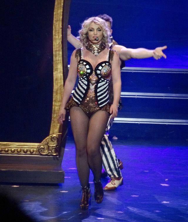 Britney Spears zaliczyła wpadkę na koncercie (VIDEO)