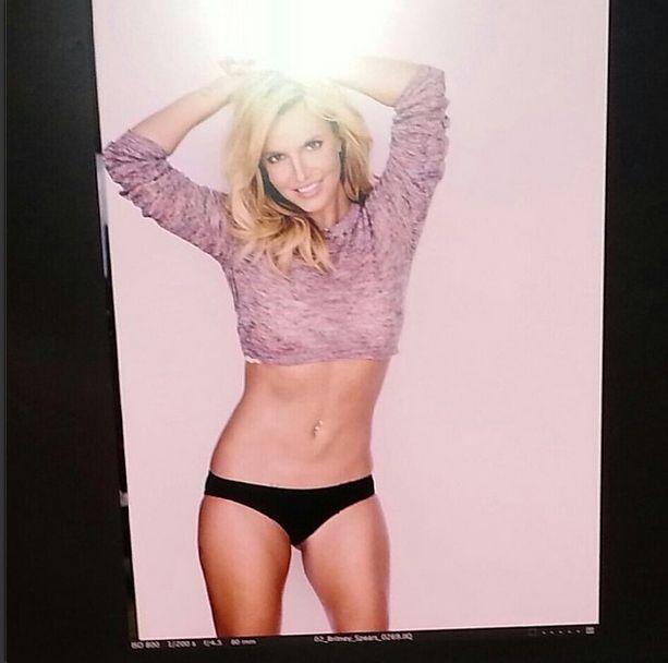 Britney Spears próbuje udowodnić, że jest chuda jak modelka