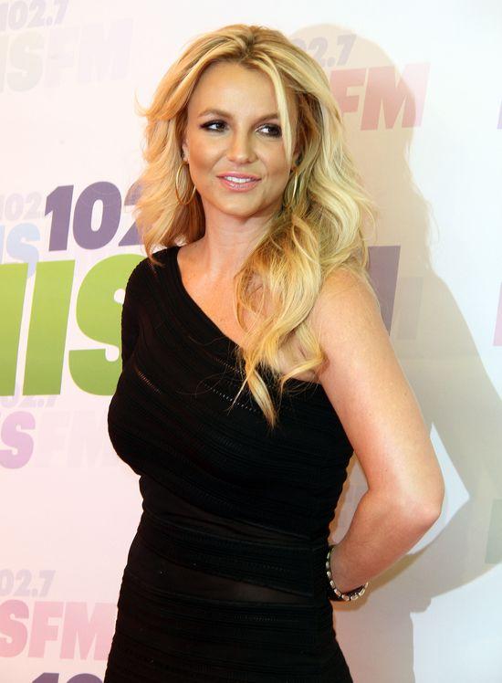 Britnej Spears w makijażu