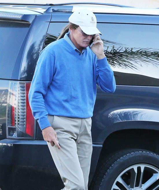 Co się stało z twarzą Bruce'a Jennera?! (FOTO)