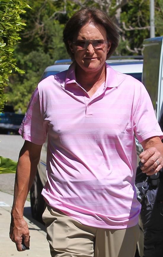 Ojczymowi Kim Kardashian usunięto raka skóry (FOTO)