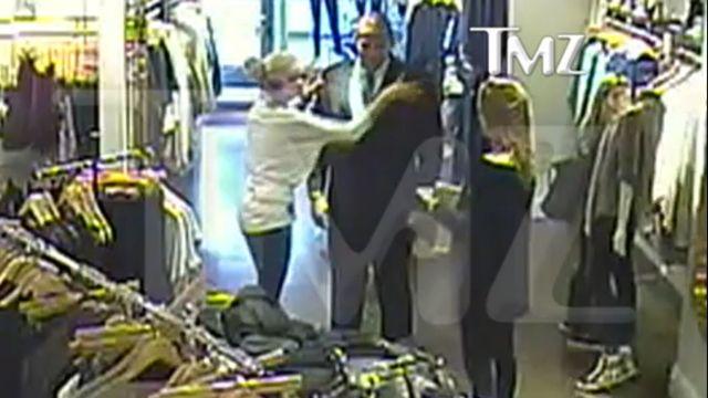 Amanda Bynes odstawiła w sklepie niezłą szopkę (VIDEO)