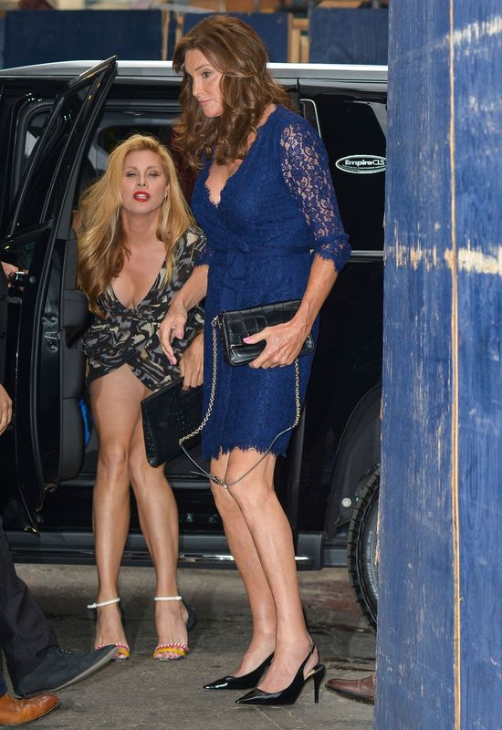 D�ugonoga Caitlyn Jenner postawi�a na eleganckie koronki