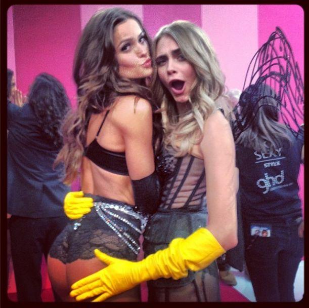 Modelki twerkają na pokazie Victoria's Secret (VIDEO)