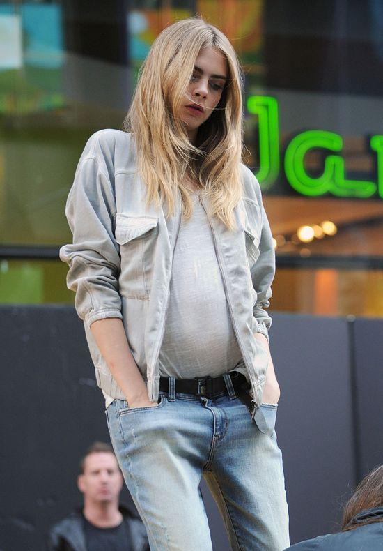 Cara Delevingne jak chce, potrafi być seksowna (FOTO)