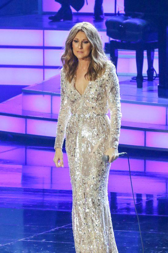 Celine Dion rozkleiła się na koncercie (VIDEO)