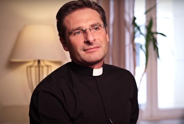 Ks. Krzysztof Charamsa: Jestem gejem