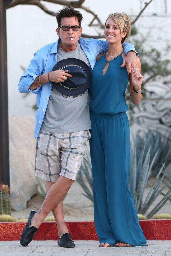 Charlie Sheen ma nową gwiazdę fimów dla dorosłych (FOTO)