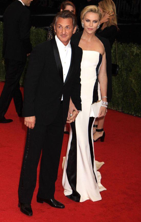 Dosz�o do r�koczyn�w mi�dzy Charlize Theron a Seanem Pennem!