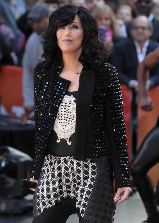 Dom Cher nawiedza duch!