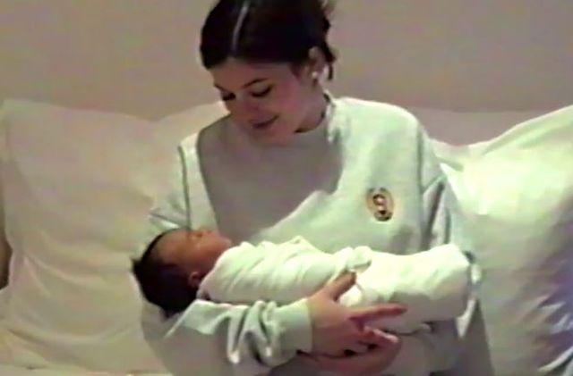 Na video opublikowanym przez Kylie, dokładnie widać córkę Kim, Chicago West