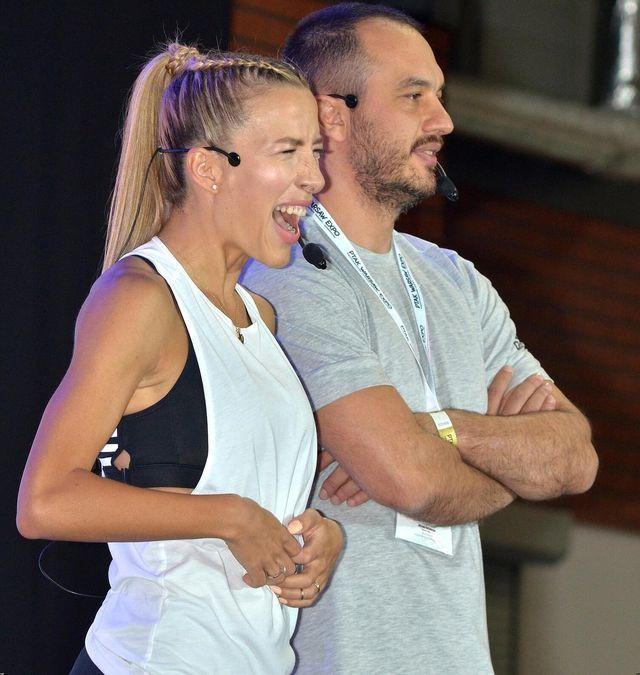 Paparazzi nie lubią Lewandowskiej, lubią za to Chodakowską i jej męża