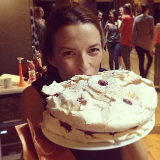 Ewa Chodakowska obsypana... tortami (FOTO)